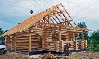 Брус или бревно – из чего построить деревянный дом