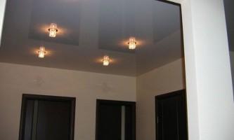 Дизайн натяжных потолков в коридоре и прихожей