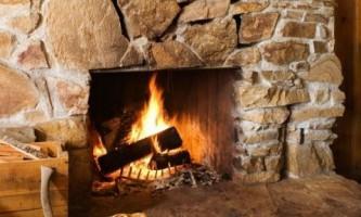 Камин поможет сохранить тепло