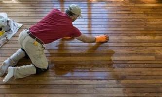 Гидроизоляция деревянного пола: современные способы защиты дерева
