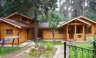 Как быстро построить гостевой дом-баню из оцилиндрованного бревна