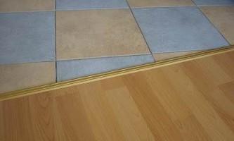 Как монтируется стыковочный профиль для ламината и плитки