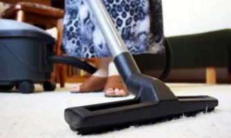 Как почистить ковер от пятен и устранить неприятный запах?