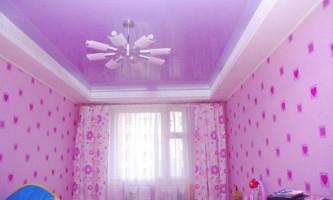 Как подобрать обои по цвету потолка