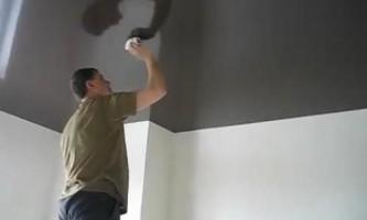 Как устранить пятна с натяжного потолка