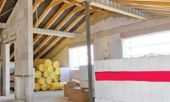 Какие стройматериалы необходимо хранить в помещении