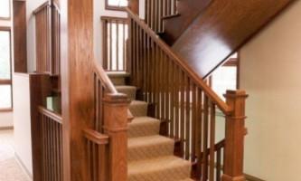 Лестница: выбираем материал
