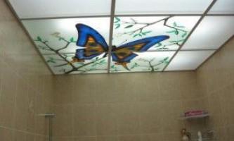 Недорогие подвесные потолки в ванную комнату