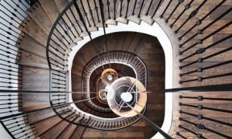 Оригинальные лестницы, как главное украшение дома