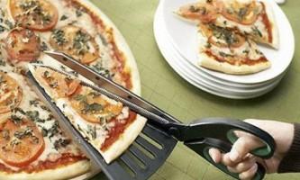 Оригинальные приборы: ножницы для пиццы