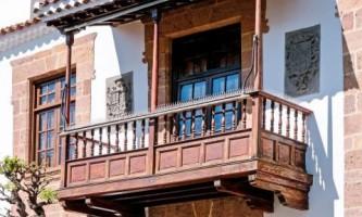 Особенности балконов из дерева