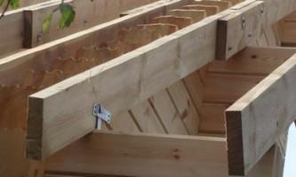 Особенности стропильной системы четырехскатной крыши — как сделать своими руками?