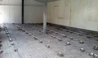 Правильная установка маяков на пол для заливки ровной бетонной поверхности