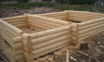 Преимущества сруба-пятистенка для строительства дома или бани