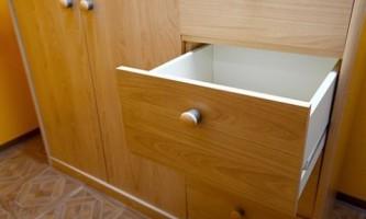 Шкаф-купе своими руками: делаем выдвижной ящик