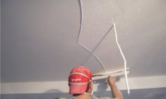Шпатлевка потолка – как выполнить ее своими руками