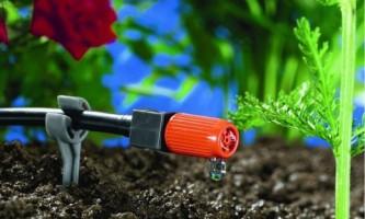Система капельного полива позволит сэкономить воду при уходе за растениями