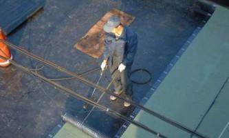 Скатная крыша: ремонт и уход