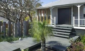 Старый дом со стеклянным фасадом в австралии (фото)