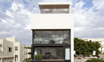 Таунхаус по проекту бюро pitsou kedem architects (фото)
