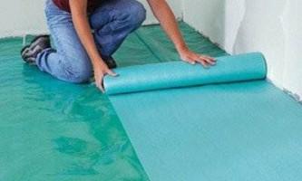 Укладка подложки под ламинат – особенности выбора и монтажа
