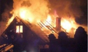 В коллективном саду барнаула произошел крупный пожар. Сгорели две бани