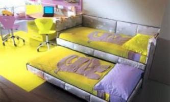 Выкатная кровать для двоих детей — экономим место в детской комнате.