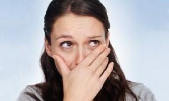 Запах от натяжных потолков — вредно ли это и что делать?